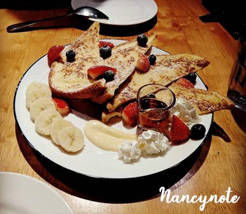 恰好食-香蕉莓果法式吐司塔